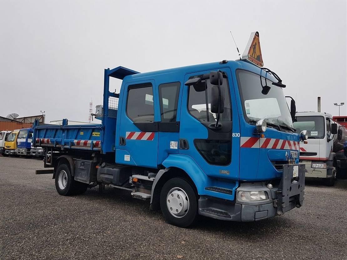 driezijdige kipper vrachtwagen Renault Midlum 220 MIDLUM 220dci.12 DOUBLE CABINE 2004