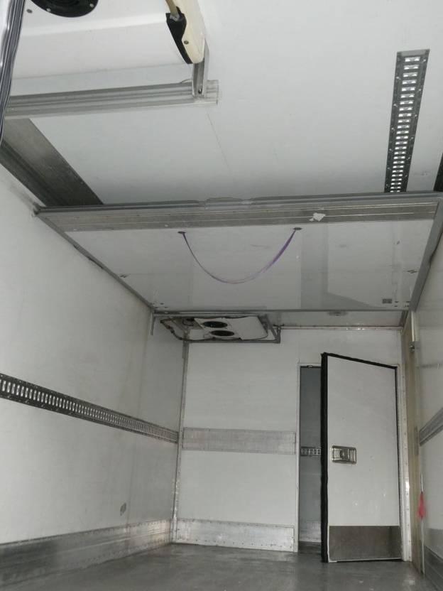 koelwagen vrachtwagen Mercedes-Benz AXOR 1826 CARRIER  SUPRA MULTITEMPERATURE  EURO 5  3 ROOMS/CHAMBRES   2 STUCK/PIECES 2008