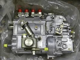 motoronderdeel equipment Caterpillar DIESSEL POMP