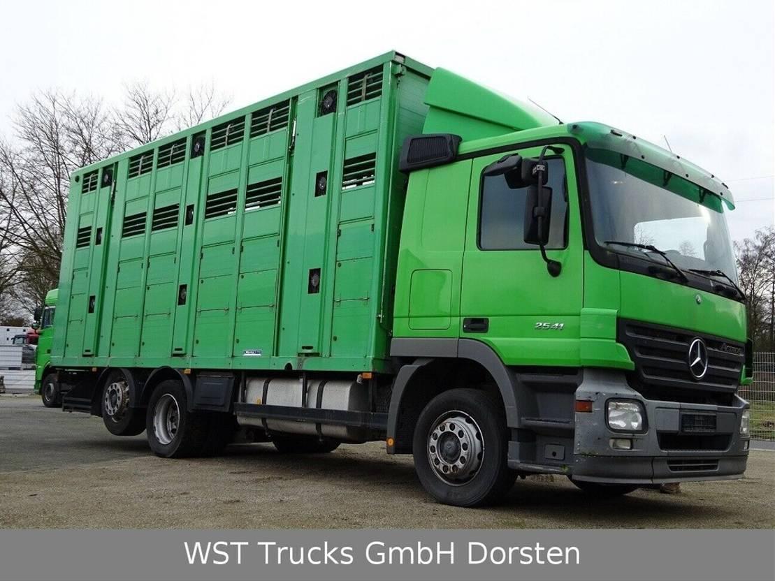 paardenvrachtwagen Mercedes-Benz Actros 2541 Menke 3 Stock Vollalu 2005