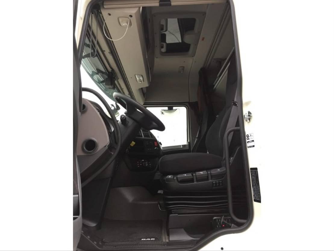 gevaarlijke stoffen trekker DAF XF 480 FTG 6x2 - Day Cab - TraXon - ADR-AT+FL+EXII/III - DAF Connect