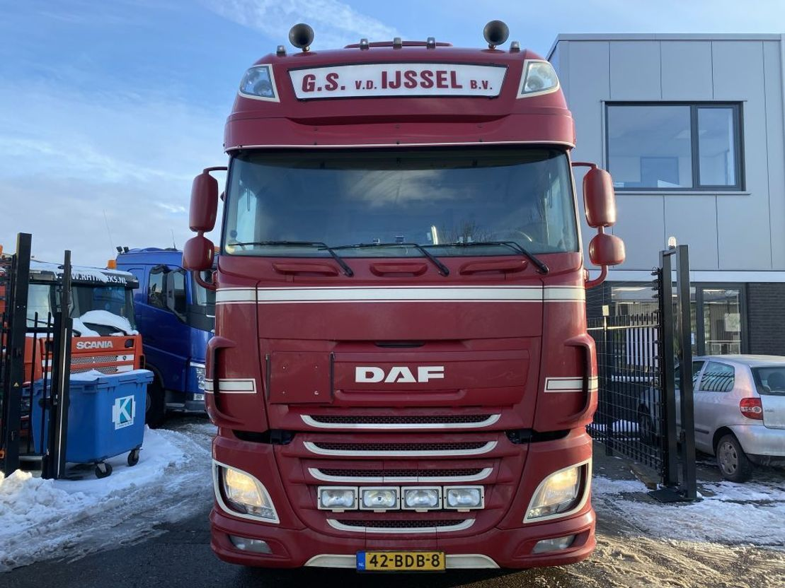 gevaarlijke stoffen trekker DAF XF 510 4X2 EURO 6 + RETARDER + HYDRAULIEK 2013