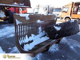 graafbak Volvo Open Shovel + 2 Tires