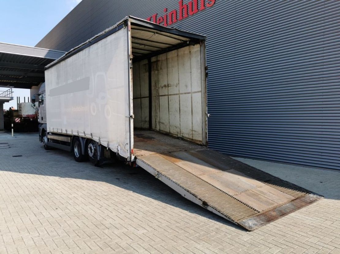 autotransporter vrachtwagen MAN TGA 26 6x2 Winch! 2006