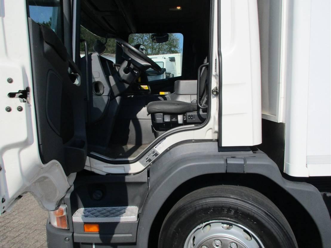 koelwagen vrachtwagen Scania P320 Koel/Vries MT Euro 5 2011