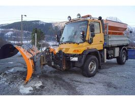 kipper vrachtwagen > 7.5 t Unimog U500 4x4 m/mye utstyr 2005