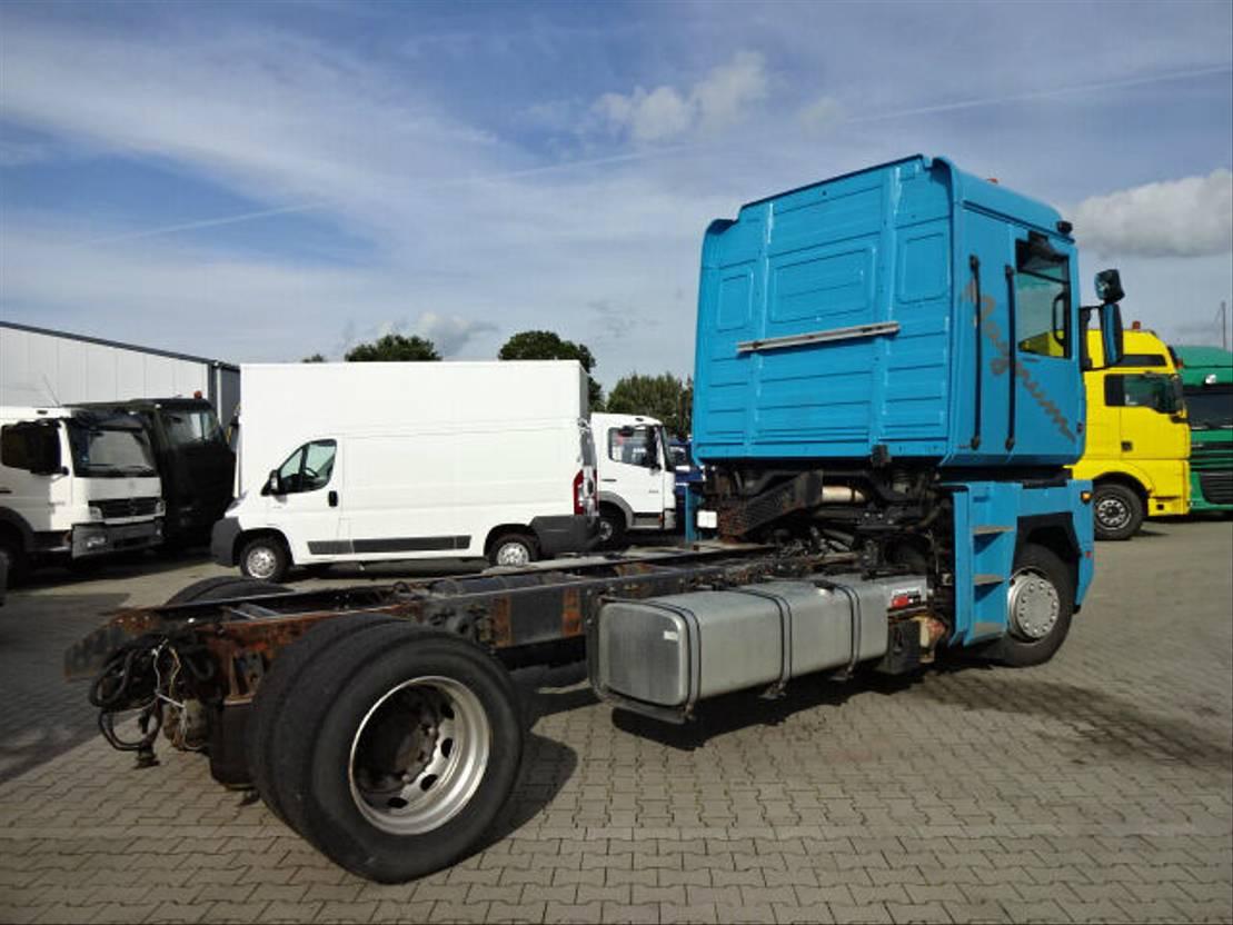 chassis cabine vrachtwagen Renault 440.18T Schalter 2005