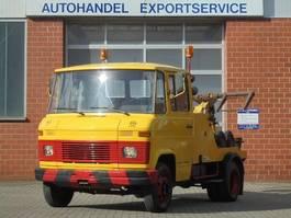 takelwagen bedrijfswagen Mercedes-Benz L 608 D Abscleppwagen 1983