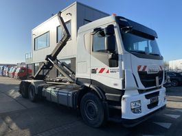 containersysteem vrachtwagen Iveco Stralis 460 6X2 - ONLY 173.337 KM + RETARDER + HIAB HOOKLIFT 2017