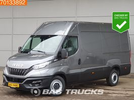 gesloten bestelwagen Iveco Daily 35S21 210PK 3500kg trekgewicht Airco Navi Camera Cruise L2H2 12m3 A/C Cr... 2021