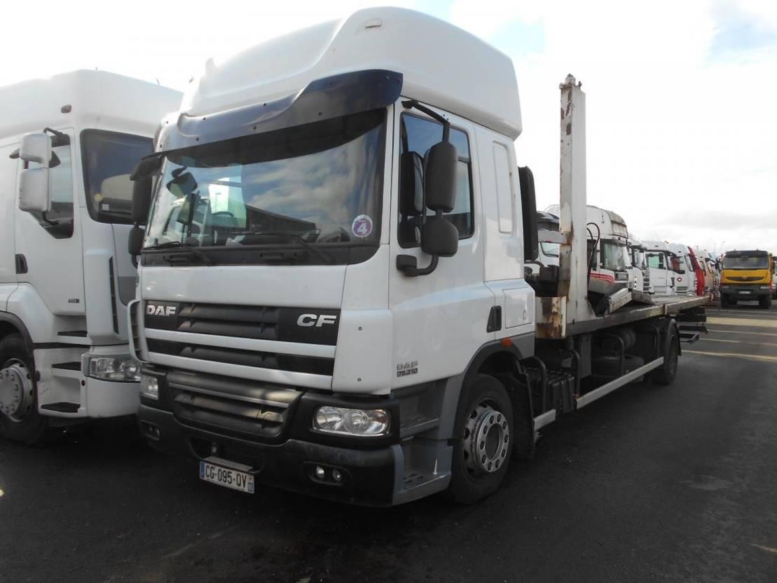 autotransporter vrachtwagen DAF CF75 2012