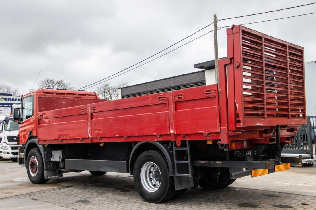 takelwagen-bergingswagen-vrachtwagen Scania 94D.220 1999