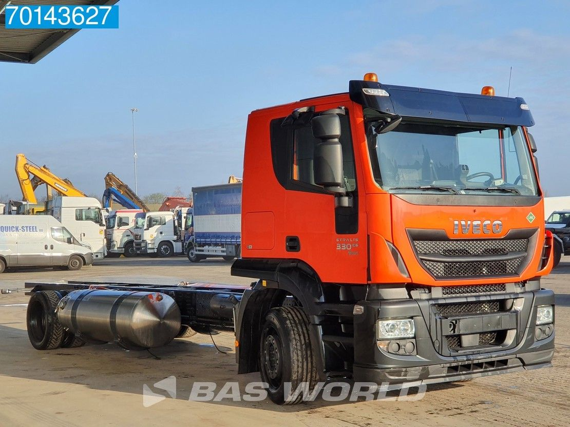 chassis cabine vrachtwagen Iveco 330 4X2 Hi-Street AT LNG Manual Intarder ACC 2x tanks 2017
