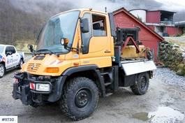 kipper vrachtwagen > 7.5 t Mercedes-Benz Unimog 405/10 U300 4x4 with snow blade and salt spreader 2000