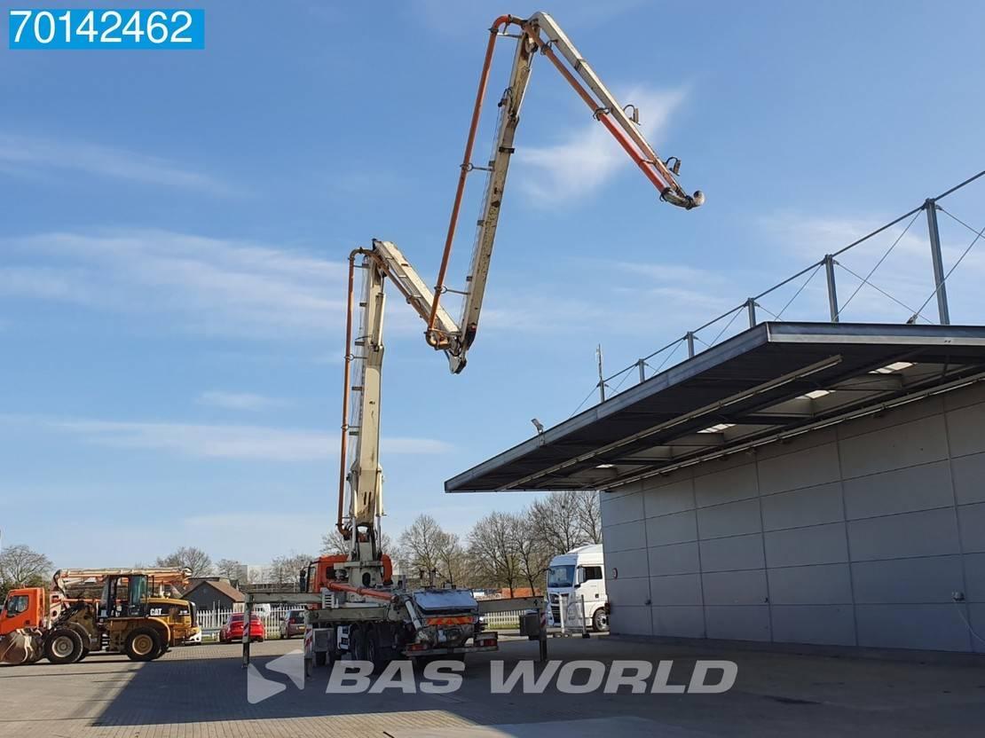 betonpomp vrachtwagen Mercedes-Benz 2341 8X4 Mecbo Concrete Pump 37 Meters Big-Axle Steelsuspension Euro 3 2006