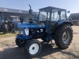 standaard tractor landbouw Ford 6610 1984