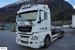 containersysteem vrachtwagen MAN TGX 26.540 6x4 Snow rigged hook lift with good tir 2013
