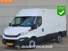 gesloten bestelwagen Iveco Daily 35 S16 160PK Automaat Laadklep L2H2 Airco Cruise 12m3 A/C Towbar Cruise con... 2017