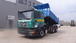 kipper vrachtwagen > 7.5 t MAN 26.464 (BIG AXLE / FULL STEEL SUSPENSION / 10 TIRES / EURO 2) 1999