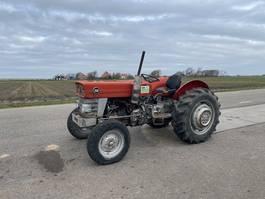 standaard tractor landbouw Massey Ferguson 158 1976