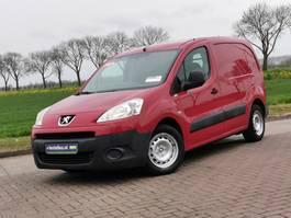 gesloten bestelwagen Peugeot Partner 1.6 2010