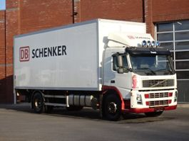 bakwagen vrachtwagen Volvo FM300 4x2 Box truck - Old tacho - Euro4 - Side doors - Loadlift 2006