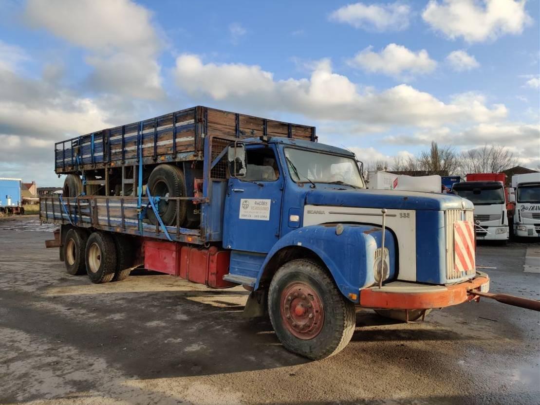 platform vrachtwagen Scania LS111 6x2 + trailer / Engine pump Broken , Pompe gasoil HS 1979