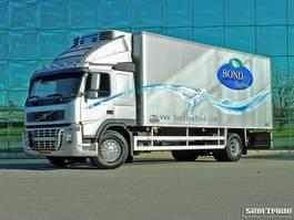 koelwagen vrachtwagen Volvo FM9 CHEREAU BOX THERMO KING TS 500 SUPER CONDITION HOLLAND TRUCK 2003
