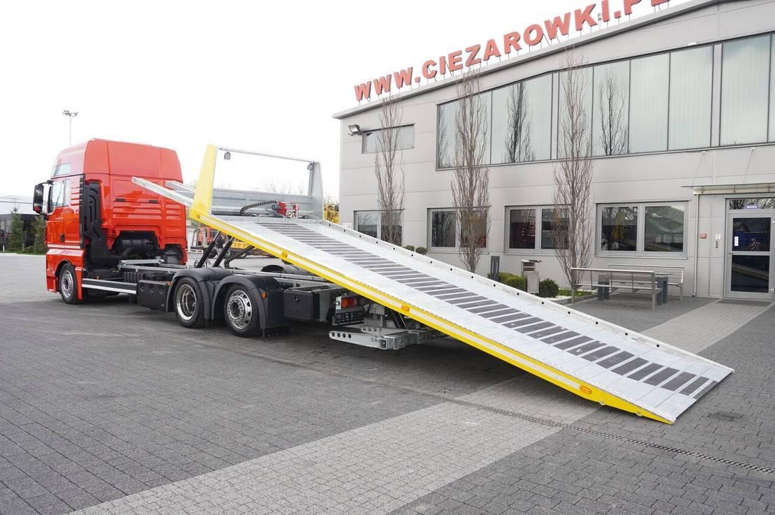 autotransporter vrachtwagen MAN TGX 26 XXL , E6 , 6X2 , NEW BODY 7,5m , hydraulic , 2x winch 2017