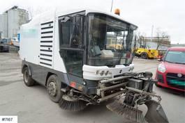 Veegmachine vrachtwagen Ravo 540 sweeper car with mud cleaner 2010