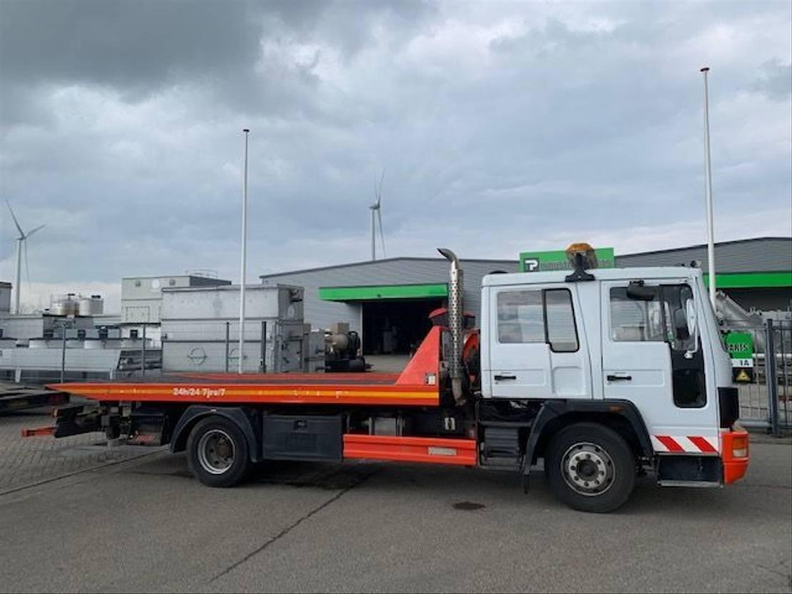 autotransporter vrachtwagen Volvo FL614 depannage / abschlepper /  tow truck 1992