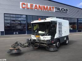 Veegmachine vrachtwagen Ravo 580 EURO 5 with 3-rd brush 2010