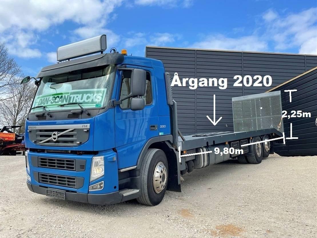 autotransporter vrachtwagen Volvo FM 330 platform year 2020 Rampe remote control and wince 2011