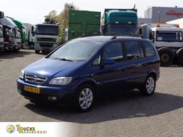 stationwagen Opel Zafira + Manual + Airco 2005