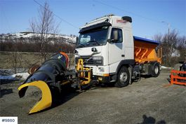 overige bouwmachine Volvo FH12 4x2 w / Sand spreader and plow 1995