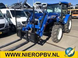 standaard tractor landbouw New Holland TD75D 4x4  airco hef arm met palletvork 2018