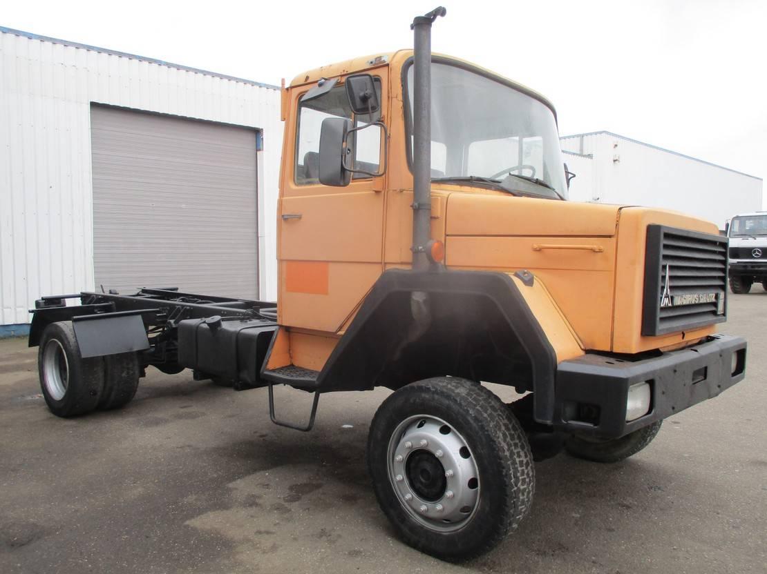 chassis cabine vrachtwagen Iveco Magirus 160 D 15 , V6 , 4x4 , Manual , Spring Suspension 1982