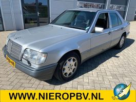 sedan auto Mercedes-Benz 124type e280 automaat airco 1994