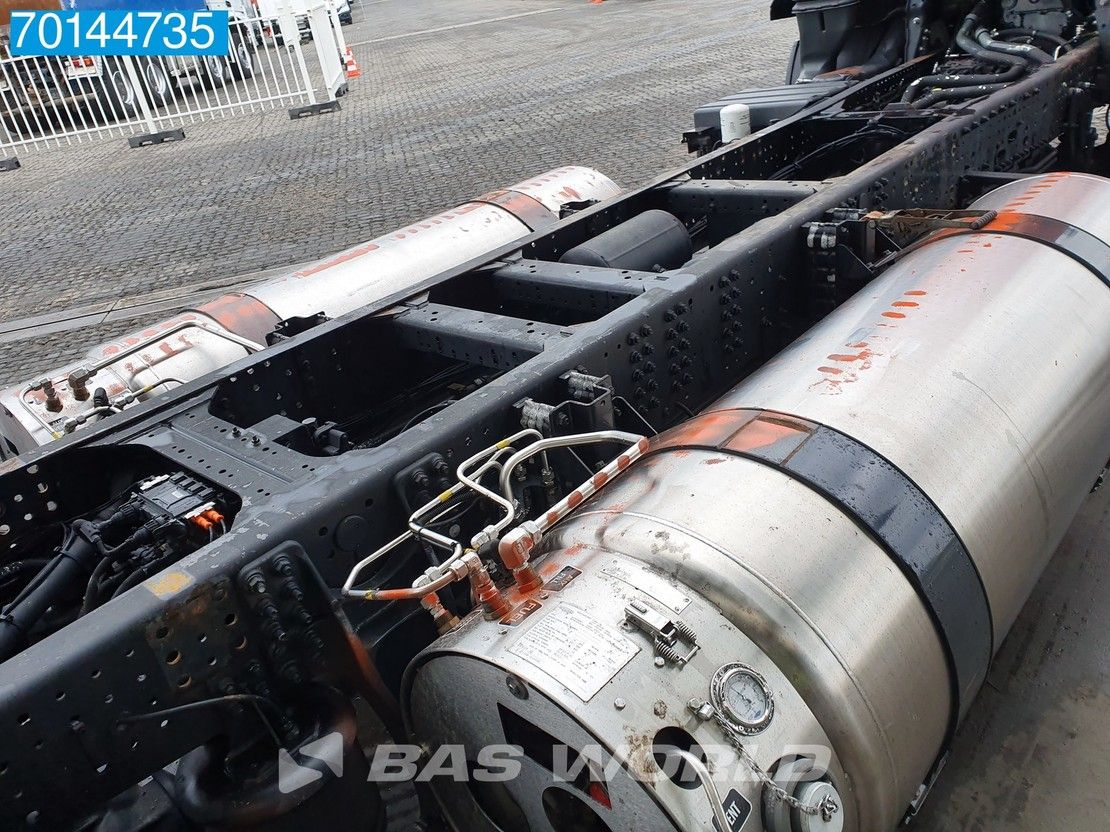 chassis cabine vrachtwagen Iveco 330 4X2 Hi-Street LNG Manual Intarder 2x Tanks ACC 2017