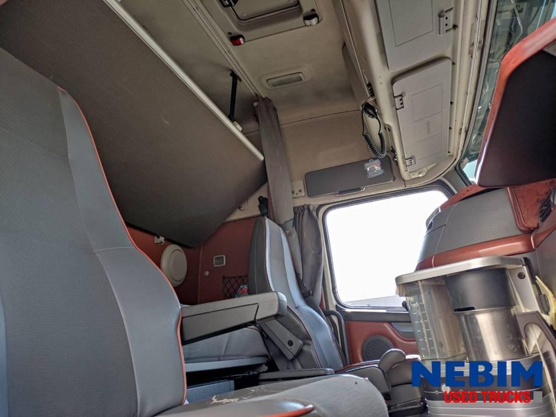 takelwagen-bergingswagen-vrachtwagen Volvo FH 16 8x4 - SAWO WR25/3XT WRECKER 2007