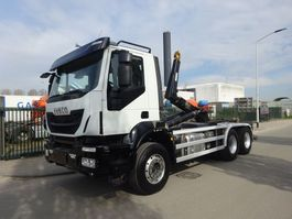 containersysteem vrachtwagen Iveco TRAKKER 450 6X4 EURO 6 / HOOKSYSTEM / KEURING / TUV / LOW KM / PERFECT CONDITION !! 2015