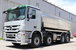 tankwagen vrachtwagen Mercedes-Benz Actros 3246 Milch isoliert E5 8x2 MP3 Leasing 2009