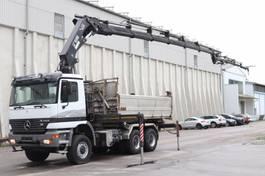 kipper vrachtwagen > 7.5 t Mercedes-Benz Actros 3348 6x6 Kran Hiab377 BJ2007 Funk Leasing 1999