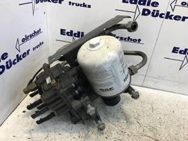Remsysteem vrachtwagen onderdeel DAF 2027747 LUCHTDROGER, 12 BAR CF76/CF86/XF106 (189.326 KM) 2018