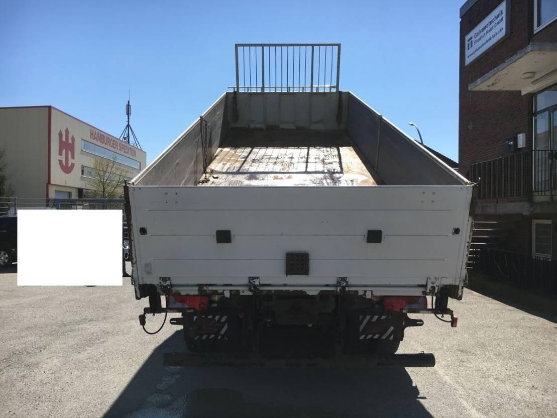 driezijdige kipper vrachtwagen MAN TGA 26 26.480 3 Seiten Kipper 2006