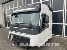 cabine - cabinedeel vrachtwagen onderdeel Volvo Volvo FH4 Globetrotter L2H2 2014