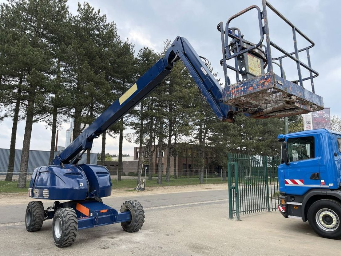 telescoophoogwerker wiel JLG 460SJ - 16m - 4x4 - 230kg - DIESEL - BE MACHINE 2003