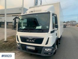 bakwagen vrachtwagen MAN TGL w/ lift and electric jack trolley 2014
