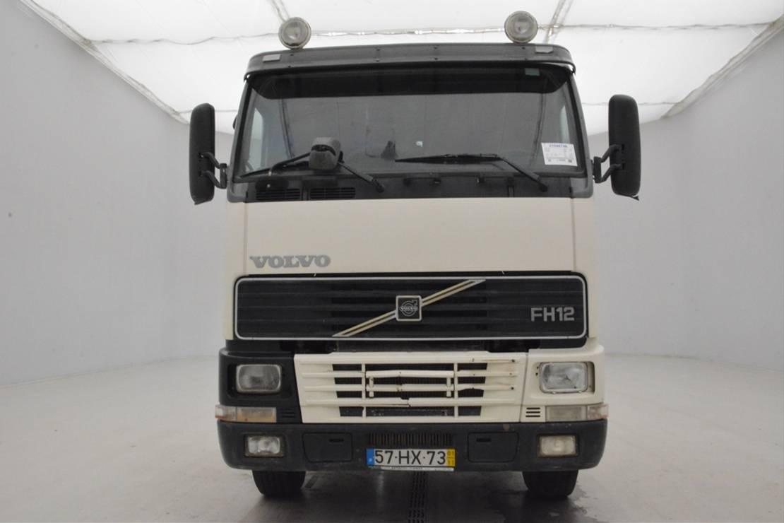 chassis cabine vrachtwagen Volvo FH12.380 - 6x2 2001