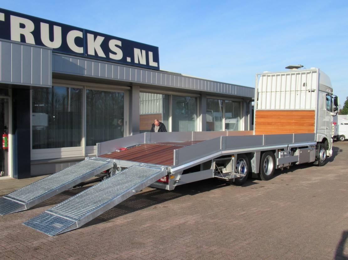 autotransporter vrachtwagen DAF XF 460 106 Euro 6 2015